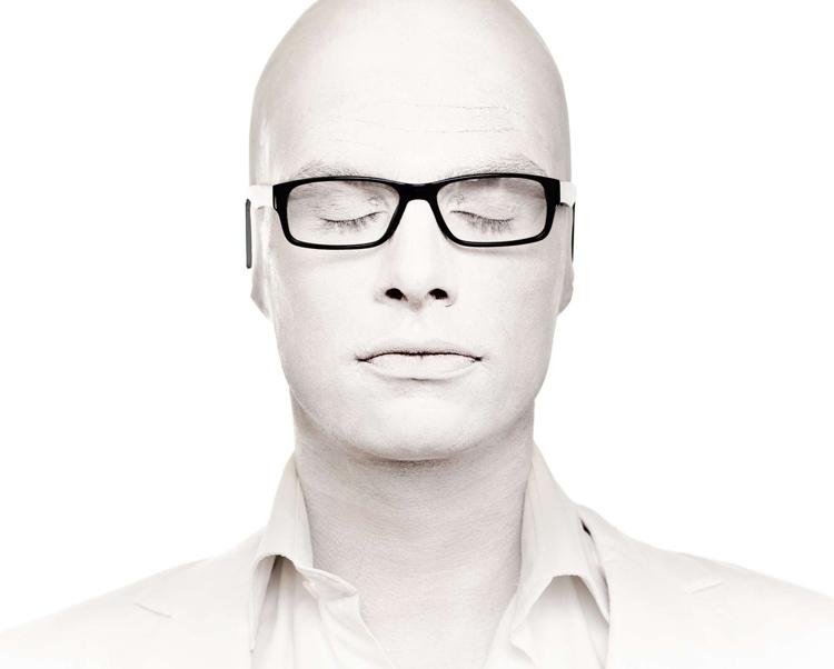 01_Mr-White-bio-foto