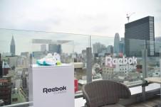 Reebok CLASSIC の人気モデル:インスタポンプフューリーが展示された様子。街履きにも、スポーツにも合う同モデルは、一足は押さえておきたい。
