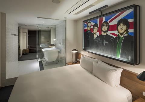 rockstarhotel-02