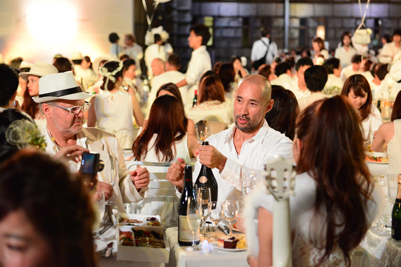 06_Diner-en-Blanc-Tokyo-2015_mAR_20253621-162