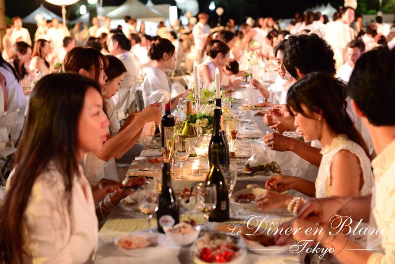 08_Diner-en-Blanc-Tokyo-2015_mAR_2025362---7