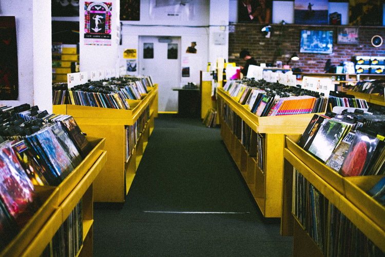 record-store-925553_1920