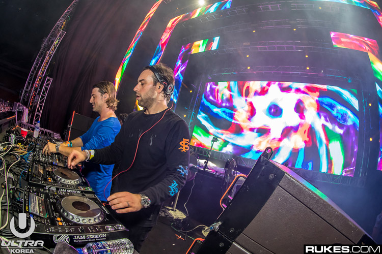 Axwell-and-Ingrosso_umfk16b_105