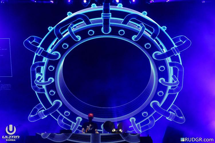 deadmau5_20160612-Rudgrcom-UltraKorea-2660
