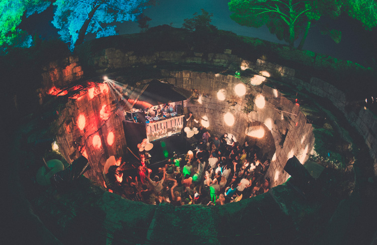 04_Outlook-Festival-2014-Dan-Medhurst-5834_Ballroom_-1600x1040