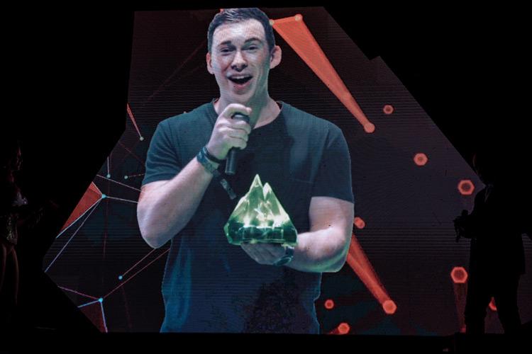 hardwell20170926_DJAward_Hi_Award_Jonas-(223-von-369)